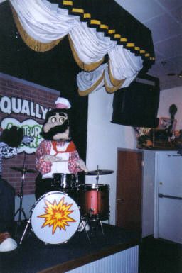 healthbob.tk Photo Gallery - the largest archive of ShowBiz Pizza and Chuck healthbob.tk's Photos online!